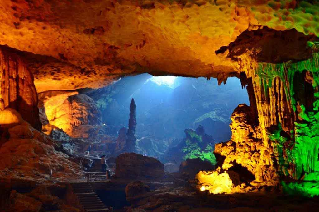 halong bay sung sot cave