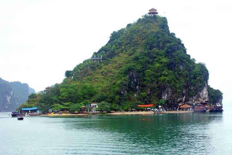 halong bay tiptop island