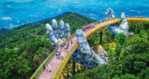 Da Nang Golden bridge